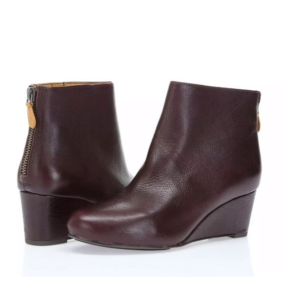 21d4548ee32 gentle souls Shoes - Gentle Souls Vicki Wedge burgundy booties